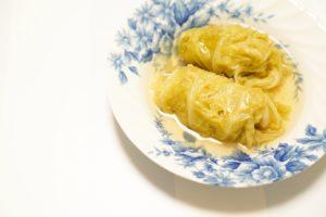 【レシピ】体があたたまる献立!簡単なコンソメ味のロールキャベツ